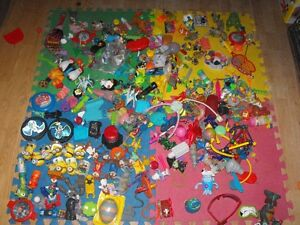 Box full of small toys over 30 pounds in box Cambridge Kitchener Area image 3