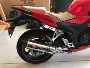 2015 CBR300R (Gucci Seats and Yoshimura Exhaust - Only 1851 KMs)