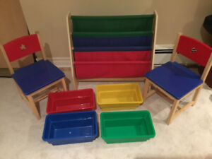 Kidkraft bookcase / book sling with chairs and bins