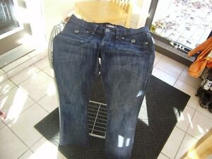 WOMENS SIZE 28 ROCK AND REBUBLIC JEANS Windsor Region Ontario image 1