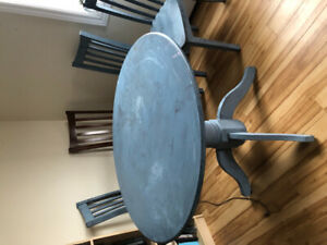 Table and Chairs NEED LOVE