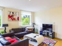 3 bedroom flat in Indescon Square, Canary Wharf E14