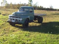1952 Ford f5 flatbed