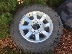 For sale Ford f250 or F350 35x12.50r20 rims and tires