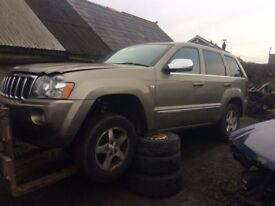 Jeep Grand Cherokee front bumper/ green / all parts available