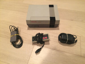 NES Nintendo System in Excellent Condition with all Hook Ups