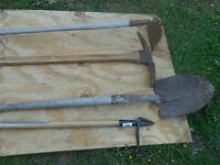 4 outils de jardin
