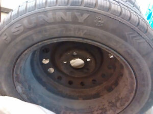 size 215 60 16      2 Winter tires in good condition with rims. Peterborough Peterborough Area image 4