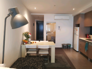 Room for rent in central ST Kilda!