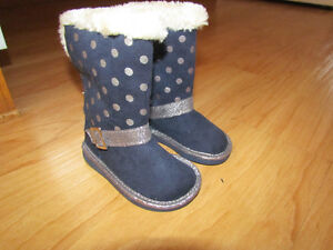 BNWT carters boots size 6