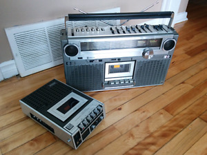 VINTAGE SUPERSCOPE AND JVC BOOM BOX