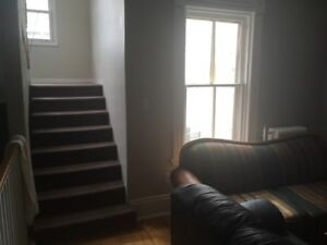SUMMER SUBLET: Offering 1 br in 3 br apartment near DAL