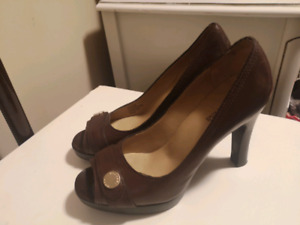 Micheal Kors Brown Leather High Heel shoes w/ gold colored accen