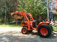 "Kubota Tractor B7510 with loader and 60"" mower deck"