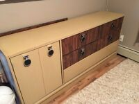 Dresser with 6 drawers and one cabinet