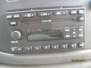 FACTORY FORD IN-DASH 6 DISC CD CHANGER