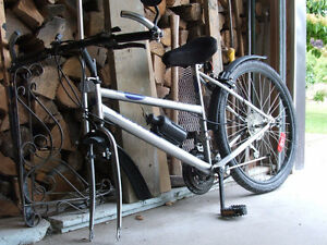 MOUNTAIN BIKE WANTED w. 26 INCH TIRES FOR PARTS/RENO