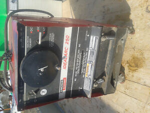 Lincoln ideal arc 250 Ac/DC 250 model single phase