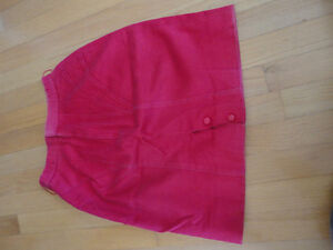 Vintage women's hot pink pencil skirt Size Small London Ontario image 3