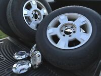 "2014 17"" stock Ford rims with censors 20 000 km on tires"