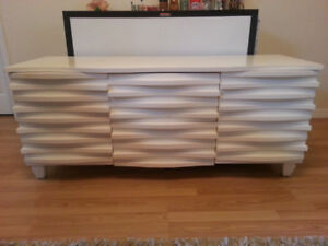 Vintage Retro White Wavy Space Age Credenza tv Console