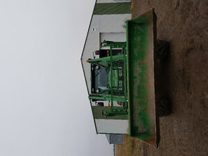 7200R JD TRACTOR ,FW ASSIST,QUICK ATTACH PACKAGE, POWERSHIFT Moose Jaw Regina Area image 5
