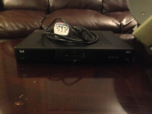 Bell HD receiver & dish antenna mint condition works perfectly