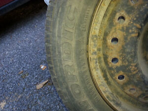 195 - 65R15 snow tires and rims Kingston Kingston Area image 3