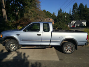 1998 Ford F-250 XL Pickup Truck