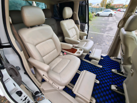 Toyota Estima Leather Seats 4WD Body Kit 7 Seater Great Condition