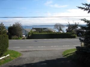 LARGE- NEWLY RENOVATED OCEAN VIEW 2BDRM SELF CONTAINED