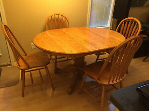 Solid oak table and chairs Regina Regina Area image 1