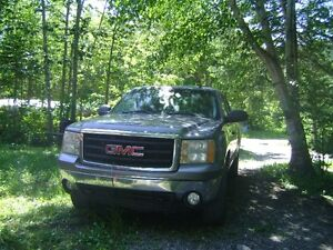 2007 GMC Sierra 1500 Extended Cab Pickup Truck