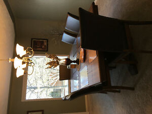 MINT Dining Room Table Set
