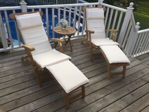 TEAK ~ 2 Luxurious Pool Side Lounge Chairs (Set)