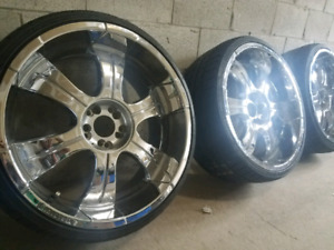 "22"" chrome rims with low profil brand new tires."