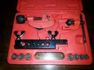 Double flaring tool set made by Gray  Kitchener / Waterloo Kitchener Area image 1