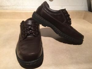 Men's Hunters Bay Leather Shoes Size 10 London Ontario image 3