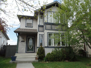 AMAZING UPGRADED House For Rent in The Hamptons West Edmonton!