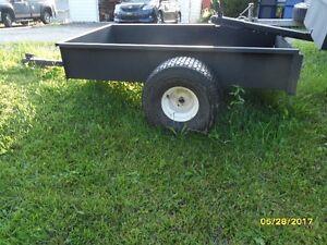 Remorque neuve pour 4 roues ou tracteur à gazon