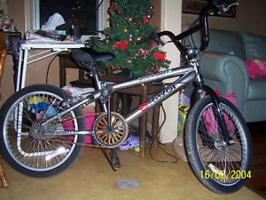 GREAT  AS NEW BIKES FOR CHRISTMAS GIFTS  SAVE BIG $