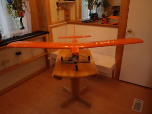 2 RC PLANES WITH ENGINES AND SERVOS. Comox / Courtenay / Cumberland Comox Valley Area image 2