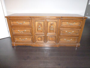 Solid Oak Bedroom Dressers,and Night stands for sale