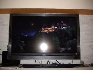 EXCELLENT WORKIGN CONDITION SONY 46 INCH 1080 LCD TV FOR SALE $3