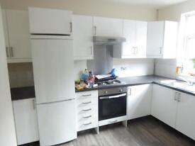 3 bedroom house in Broughton Avenue, Harehills, LS9