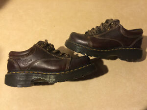 Dr. Martens Airwair Shoes Size 4 Male, 5 Women London Ontario image 5