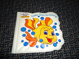 Goldie Goes Swimming (Peek-A-Boo Pets Bath Book)
