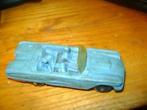 VINTAGE OLD TOY RUBBER CAR