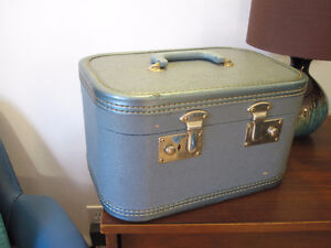 vintage small suitcase