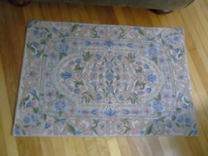 CHAINSTITCH WOOL RUG HAND MADE IN INDIA